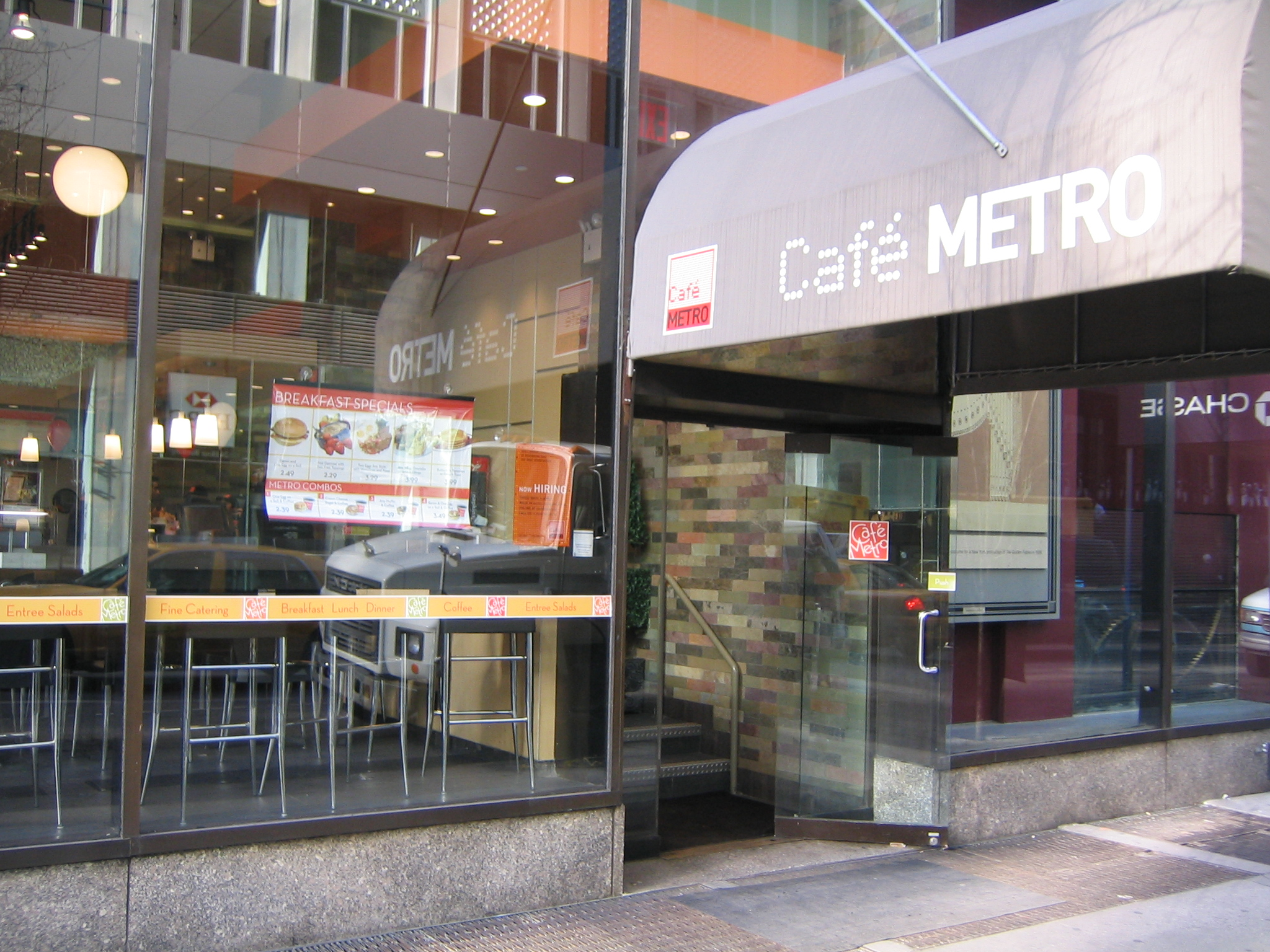 Cafe Metro Rock Center