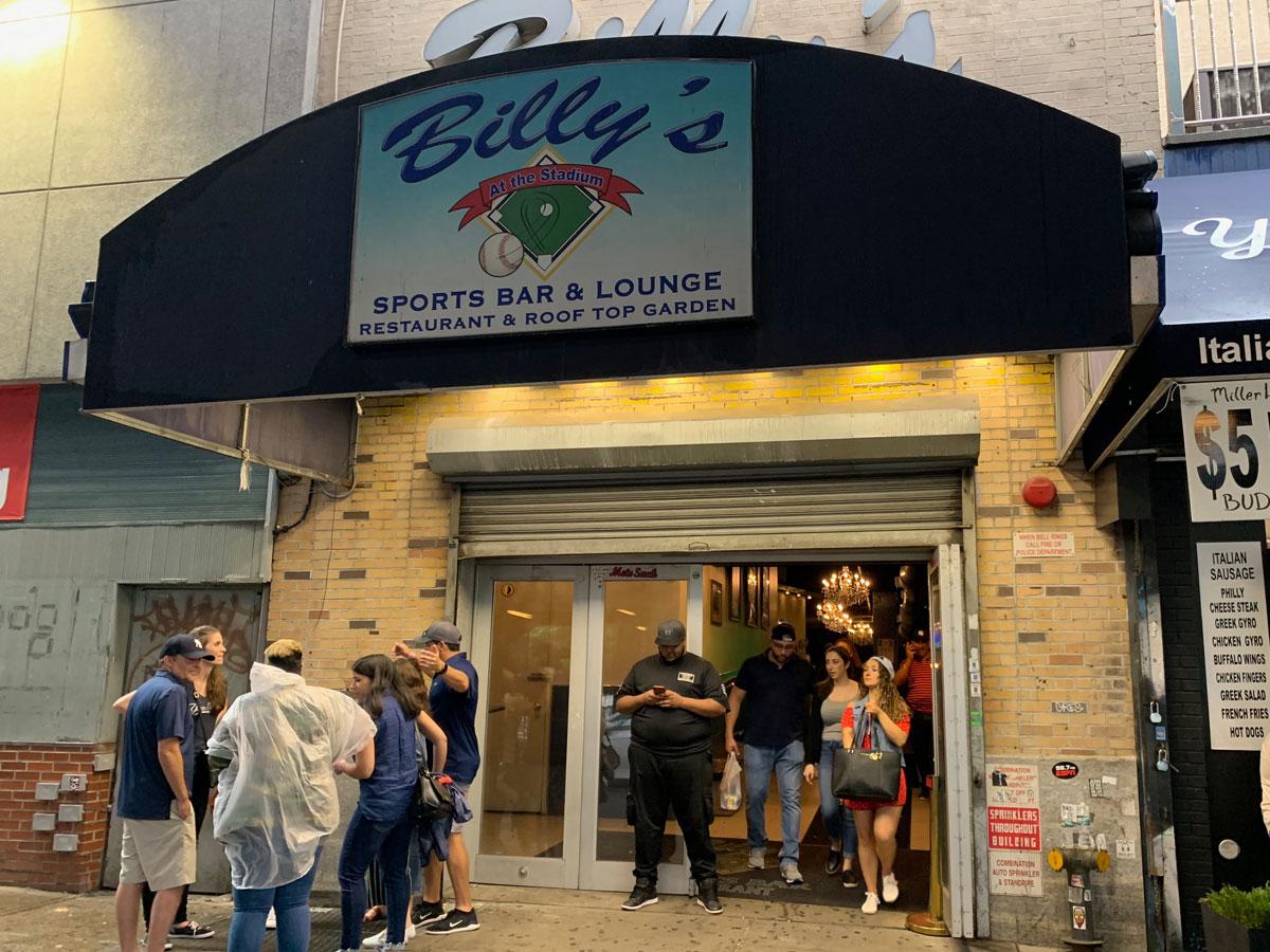 Billy's Sports Bar